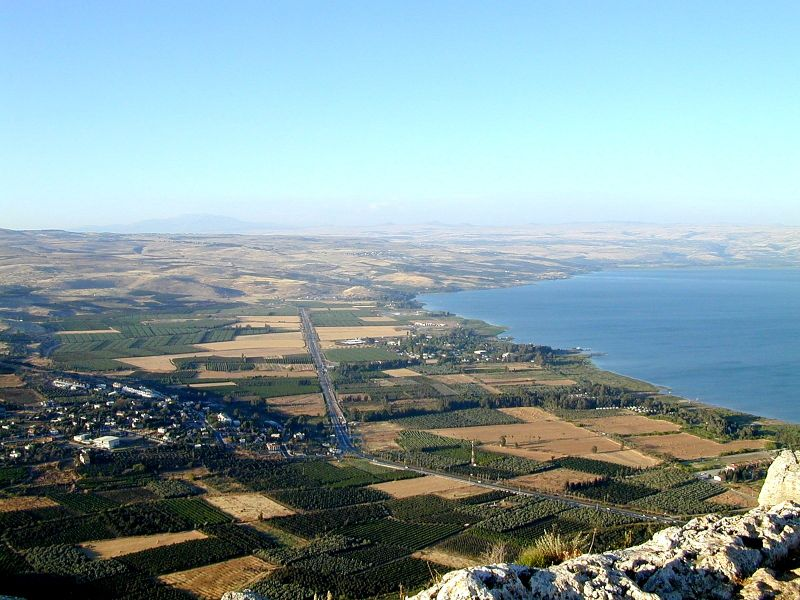Plain of Genesseret from Arbel, tb n052000